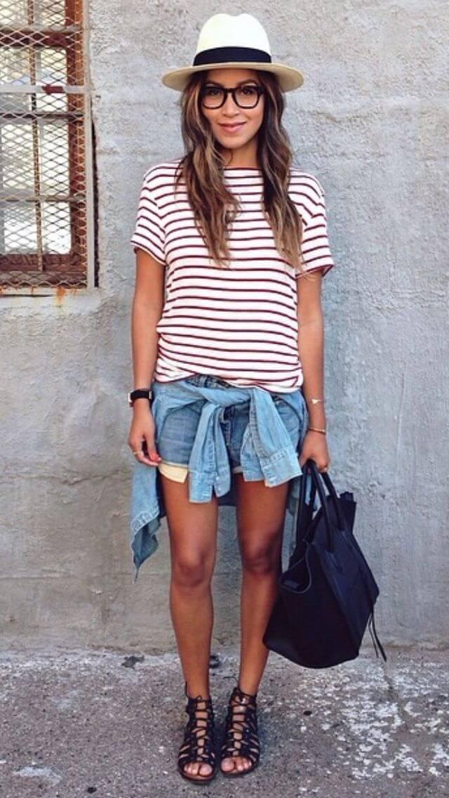 джинсовые шорты с полосатой красно-белой майкой и шляпой
