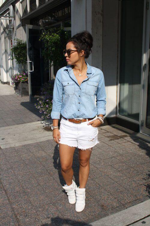 джинсовые белые шорты с джинсовой рубашкой