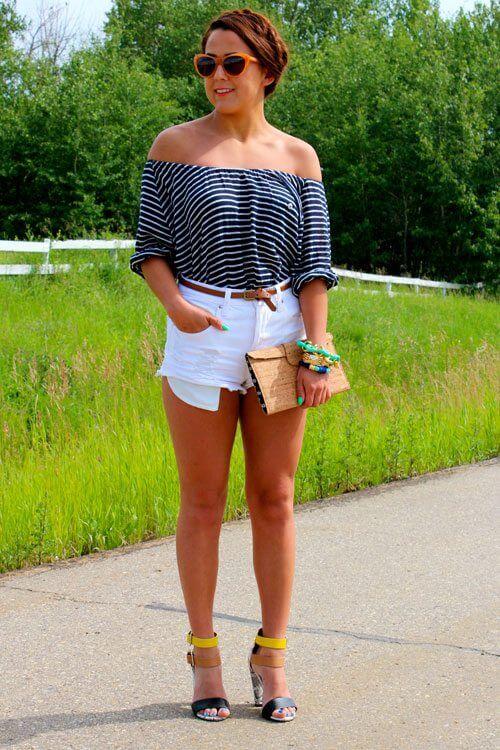 джинсовые белые шорты с босоножками