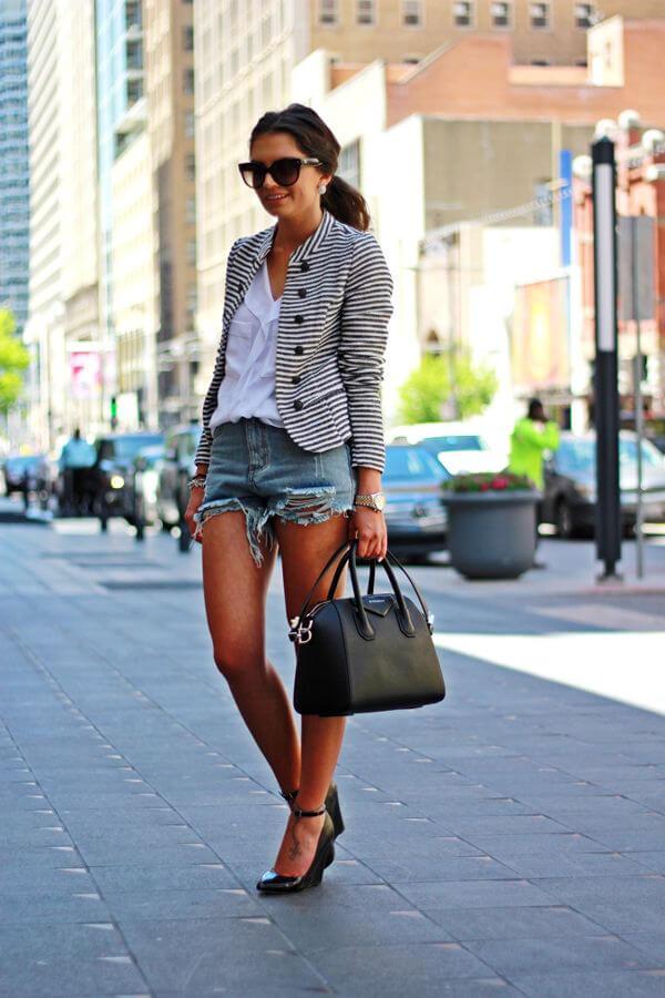джинсовые шорты с пиджаком в полоску