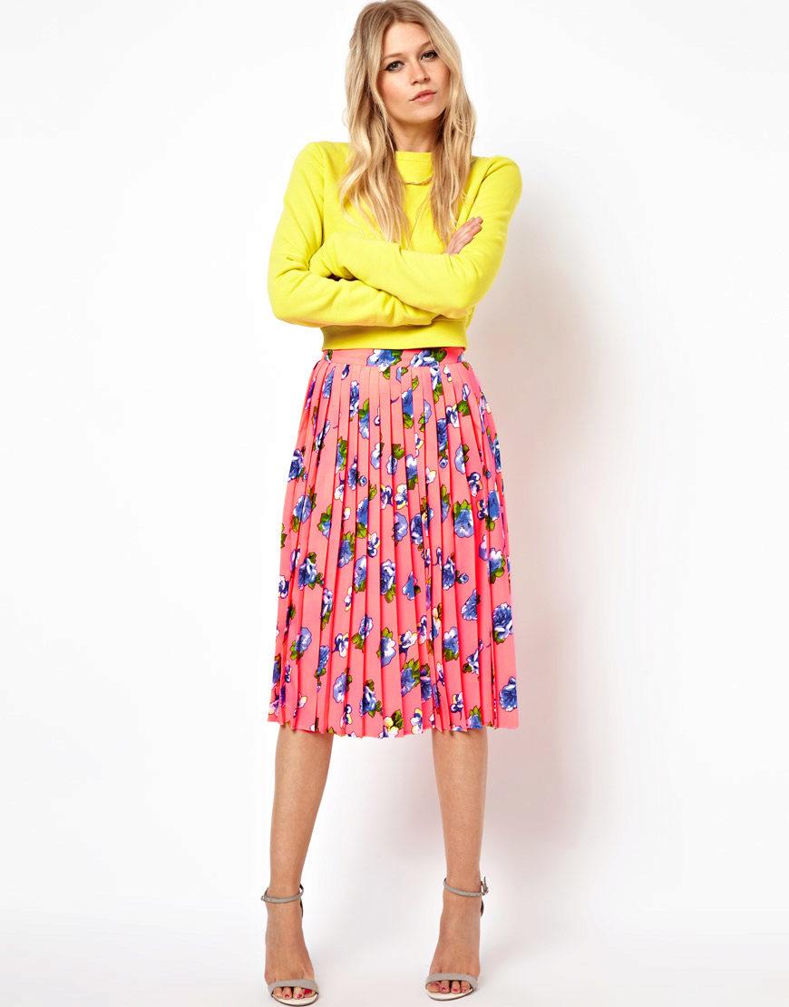 с чем носить юбку плиссе летом