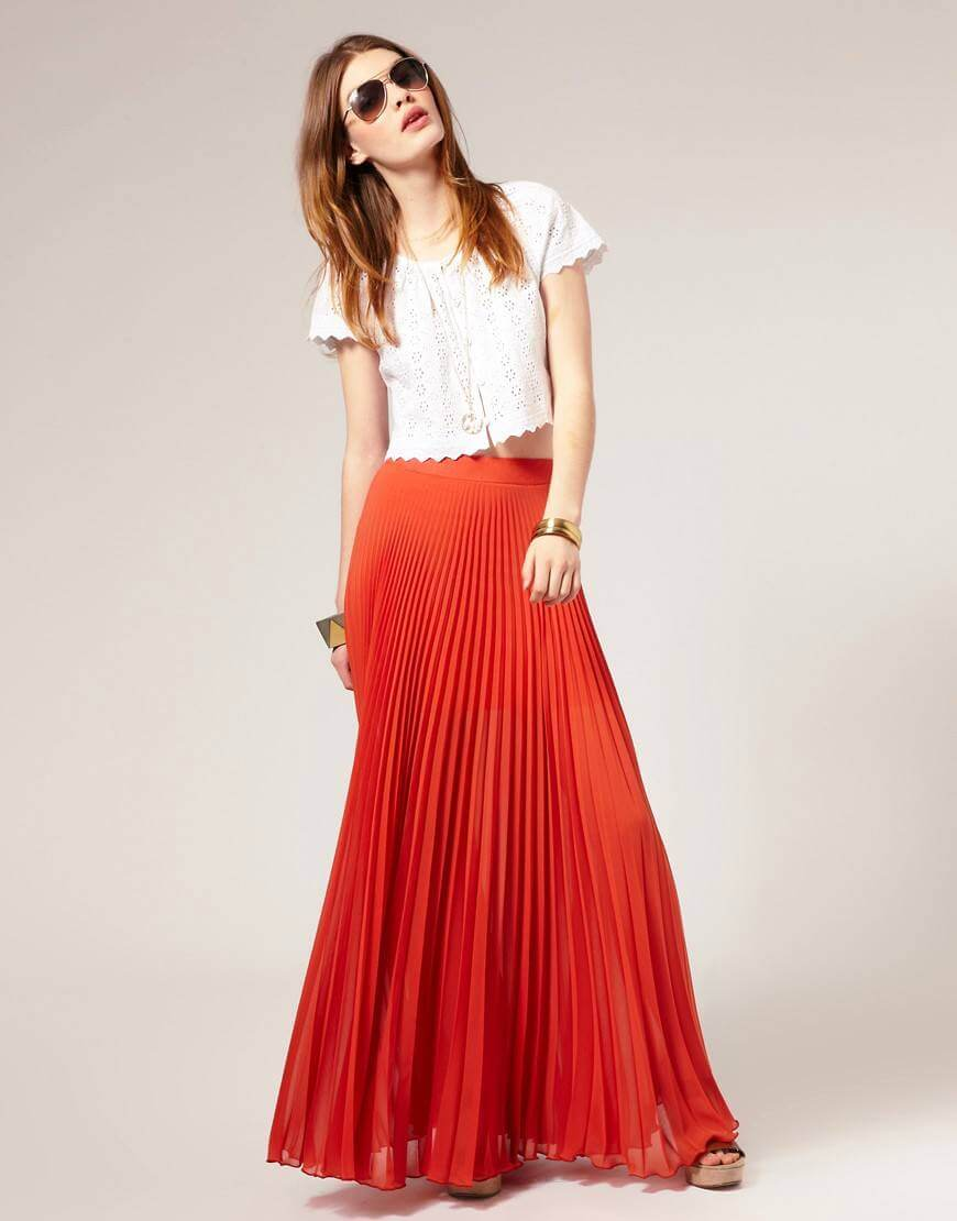 оранжевая юбка плиссе с белой рубашкой с чем носить