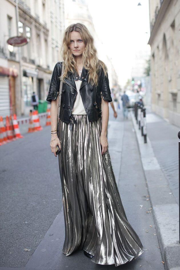 серебряная юбка плиссе металлик с кожаной курткой с чем носить