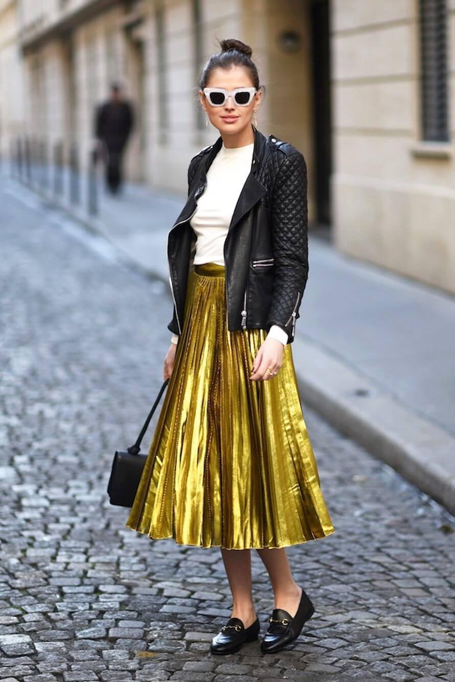золотая юбка плиссе металлик с кожаной курткой с чем носить