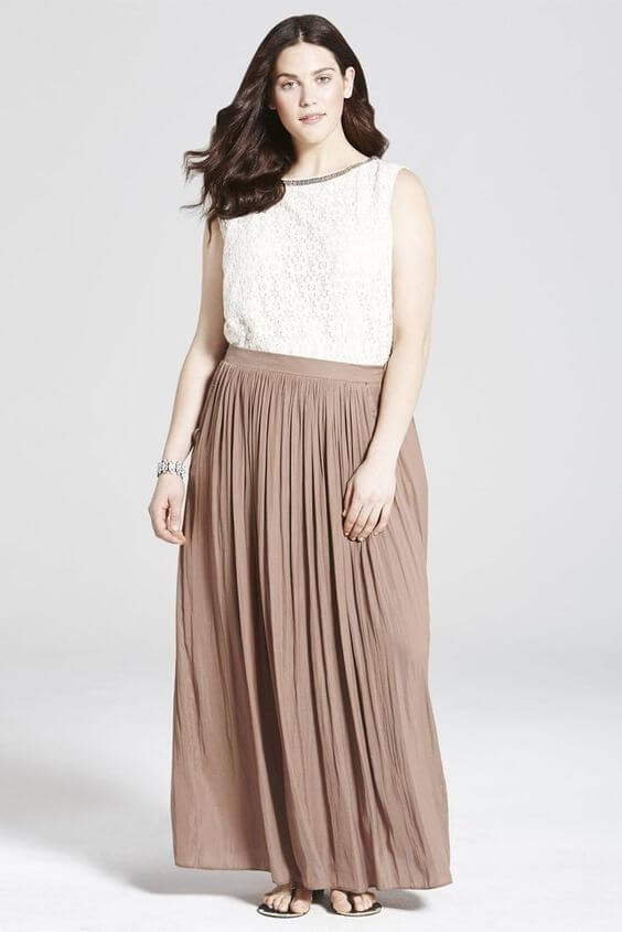 бежевая юбка плиссе для полных с чем носить