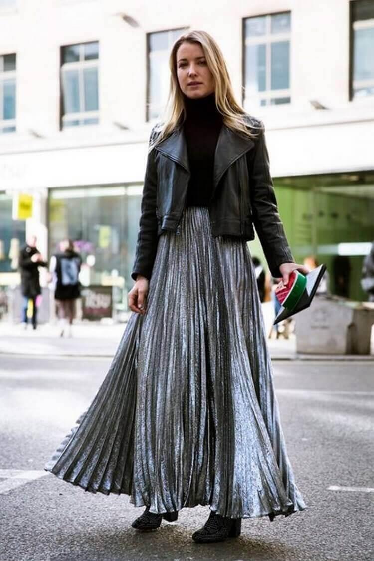 серая юбка плиссе металлик с кожаной курткой с чем носить