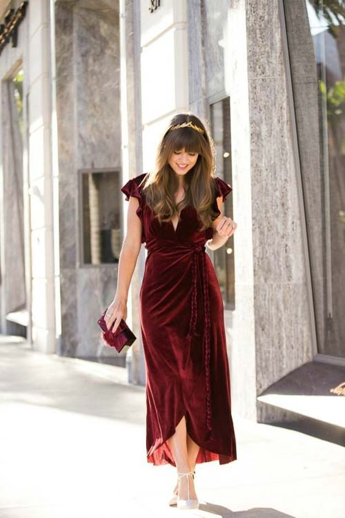 длинное барахатное платье