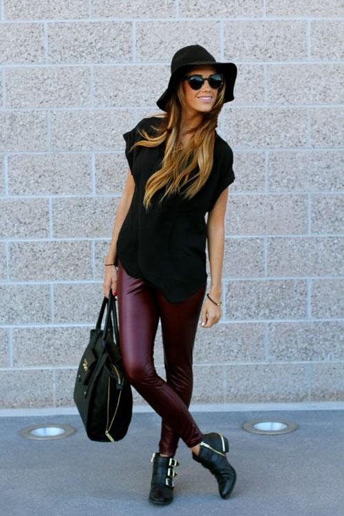 как носить бордовые кожаные брюки с шляпой