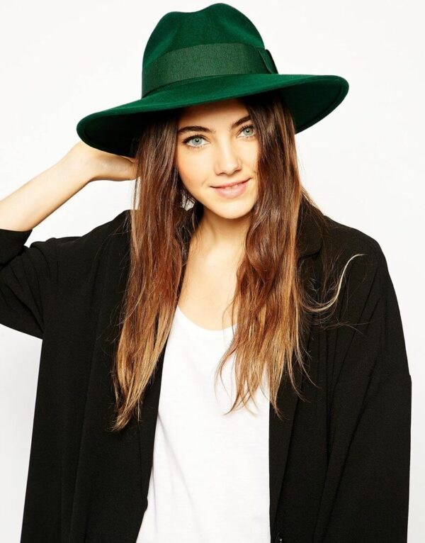 зеленая шляпа федора