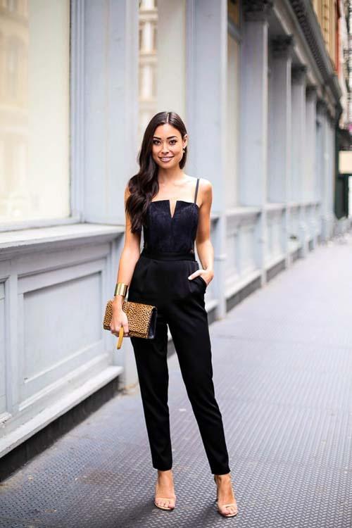 Черный комбинезон с чем носить