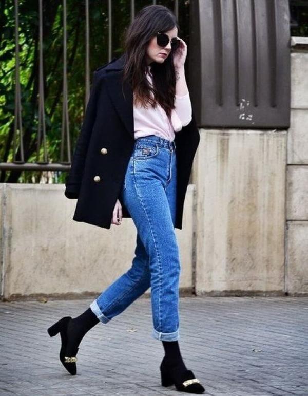 джинсы слоучи с черным пиджаком