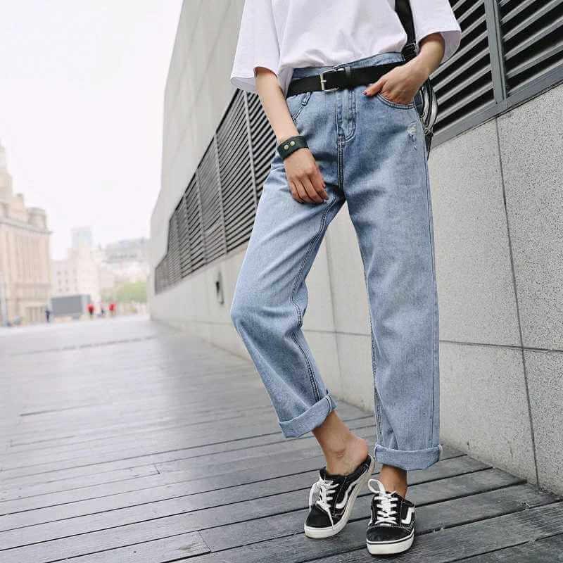 джинсы слоучи с кедами vans