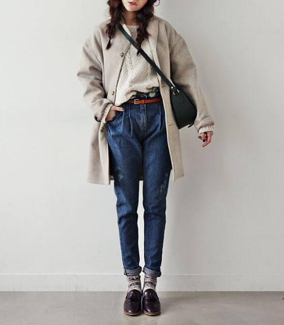 джинсы слоучи как носить с бежевым пальто