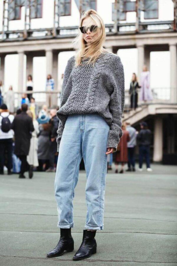 джинсы слоучи со свитером