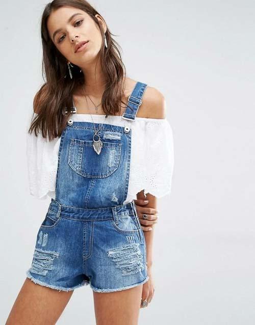 джинсовый комбинезон с белой рубашкой