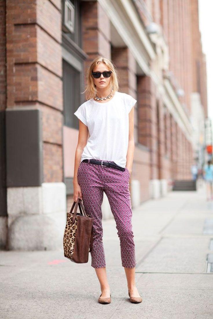 как носить брюки чинос фиолетовые с принтом