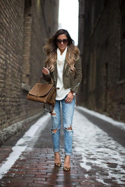 Рваные джинсы с замшевой косухой