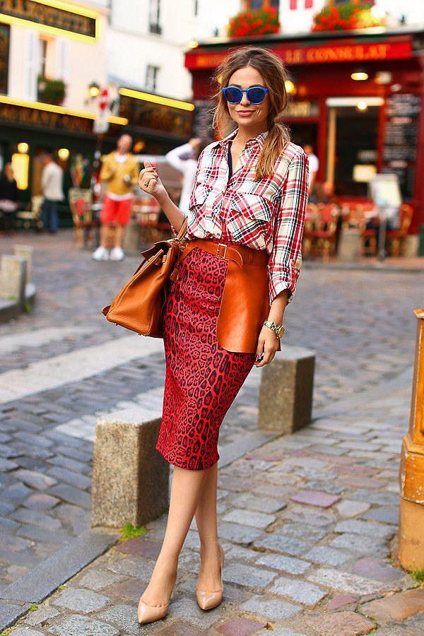 красная юбка карандаш с блузкой