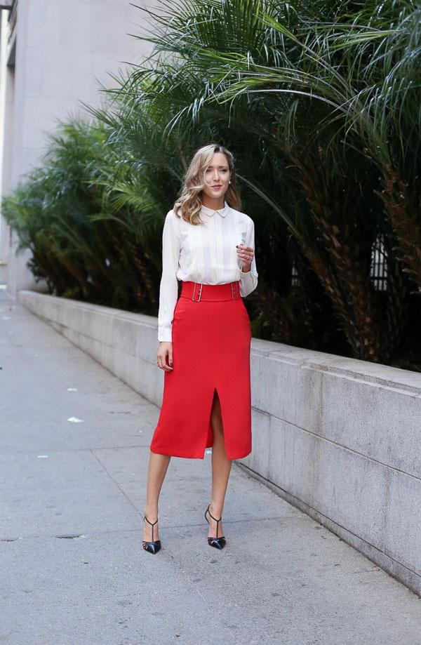 классическая красная юбка с белой рубашкой