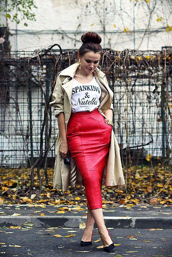 кожаная красная юбка как носить