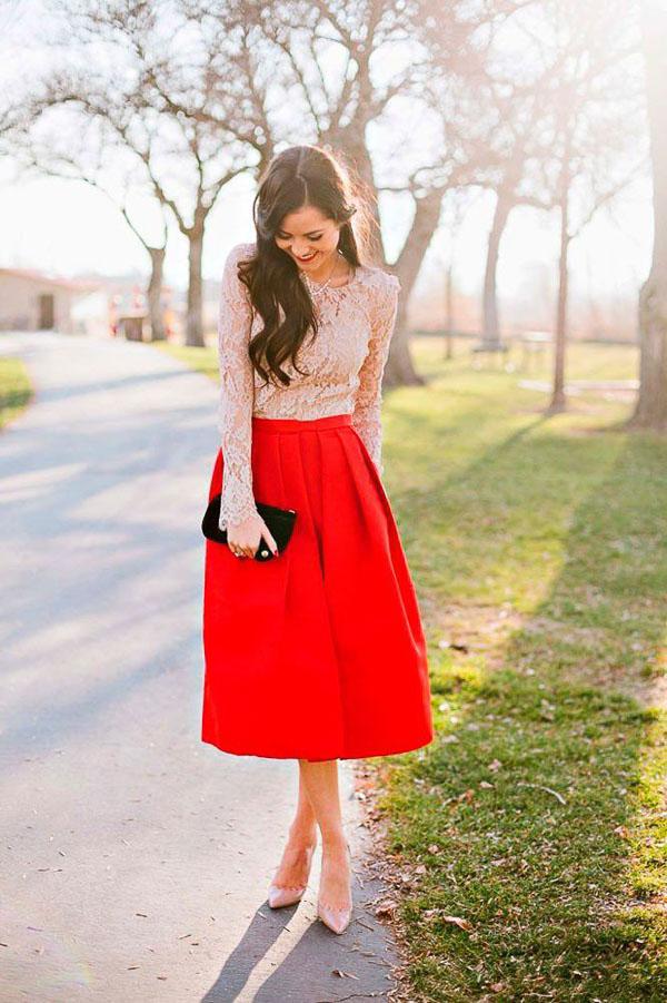 красная юбка миди с сумочкой