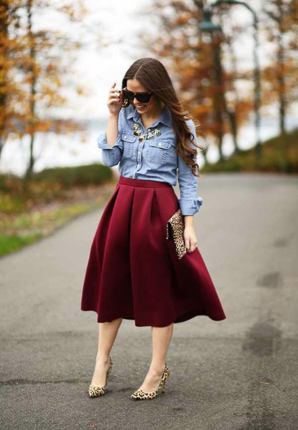 красная юбка солнце с рубашкой джинсовой