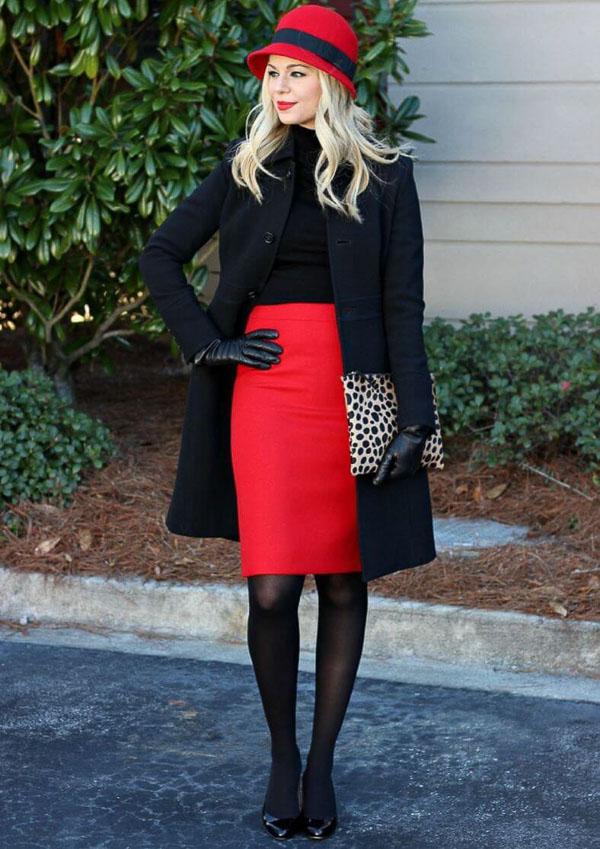 красная юбка с  пальто черным