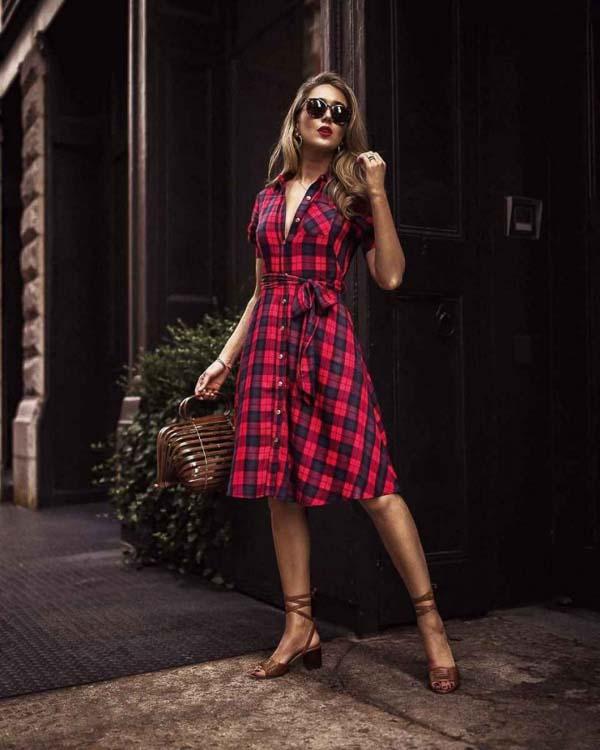 как носить платье рубашку в клетку красно черную