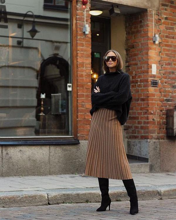 юбка миди коричневая с черным свитером