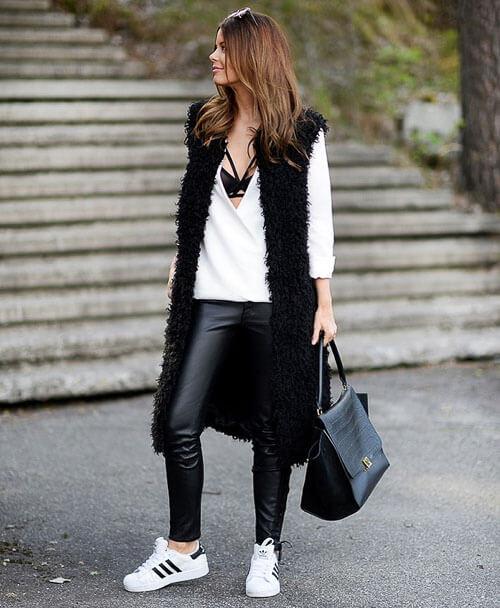 как носить Черные кожаные брюки