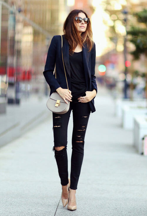 С чем носить черные рваные джинсы с пиджаком