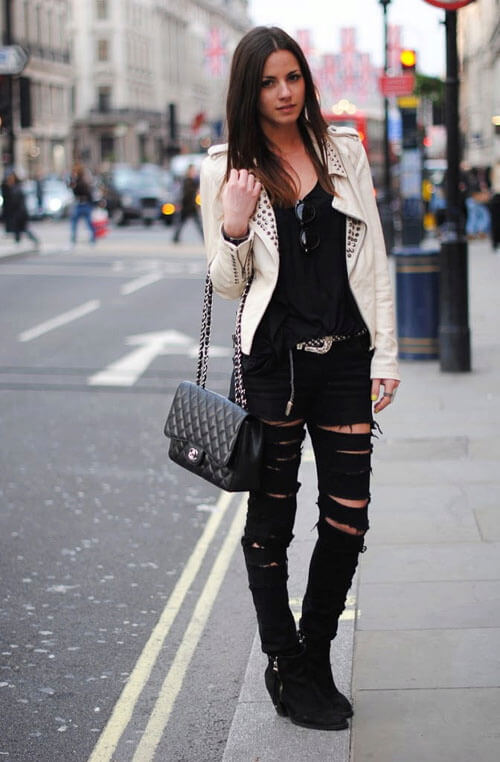 Как носить черные рваные джинсы
