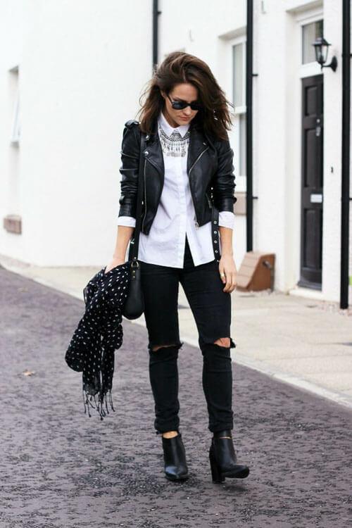 С чем носить черные рваные джинсы с белой рубашкой