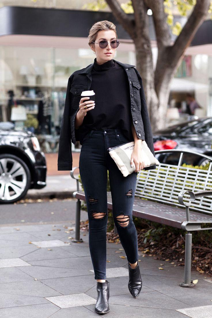 черная джинсовая куртка с рваными джинсами
