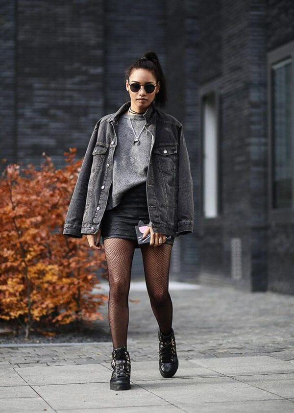 черная джинсовая куртка с колготками