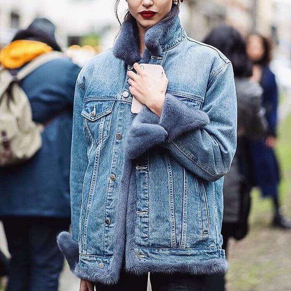 джинсовая куртка с мехом голубым