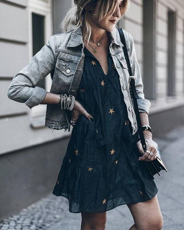 джинсовая куртка серая с черным платьем