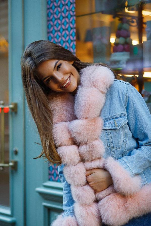 джинсовая куртка зимой с розовым мехом