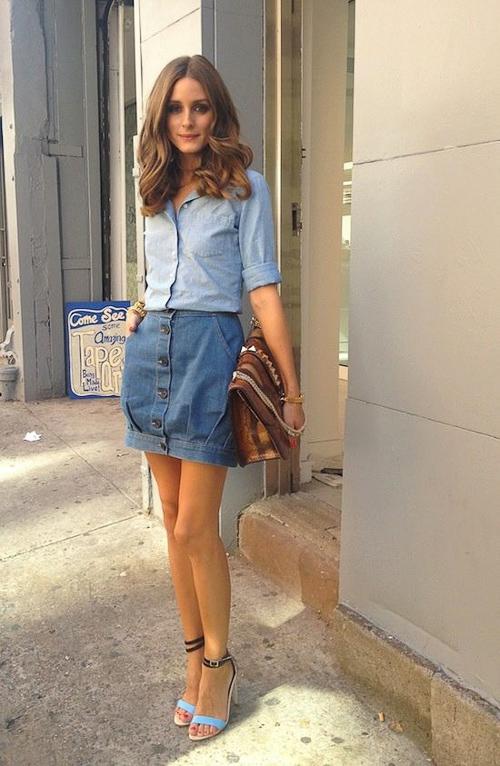 джинсовая рубашка с джинсовой короткой юбкой