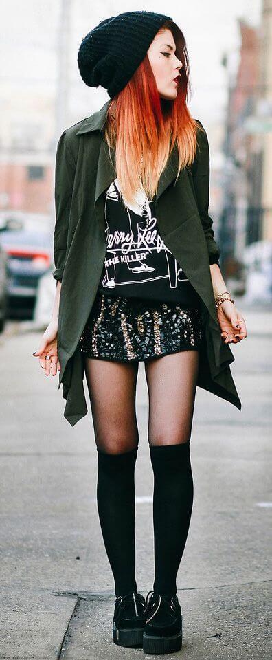 черные гетры с зеленым пиджаком