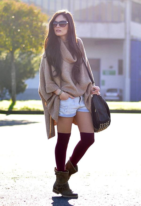 гетры с объемным коричневым свитером