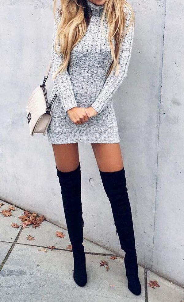 гетры и серое платье свитер