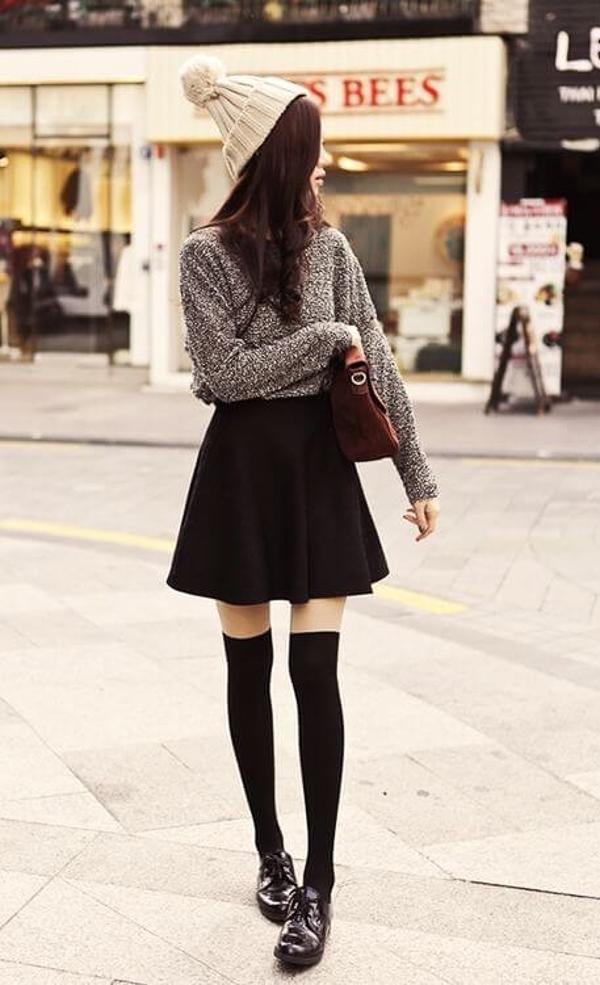 гетры с черной юбкой и свитером