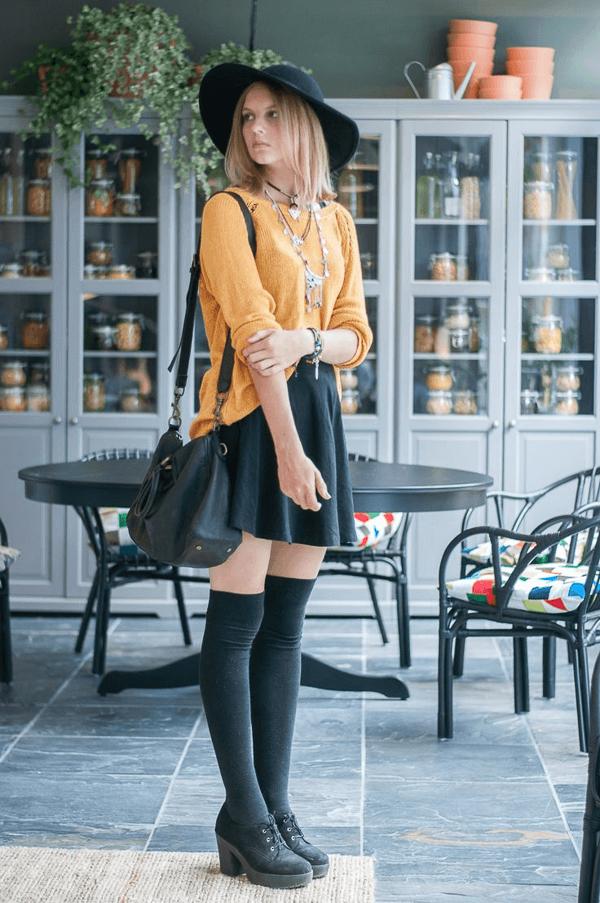 с чем носить гетры с желтым свитером