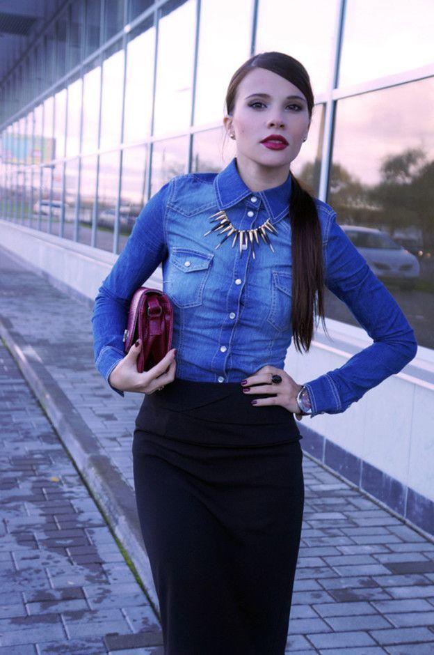 с чем носить синюю джинсовую рубашку и юбку