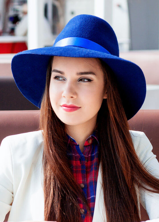 с чем носить шляпу федора синюю