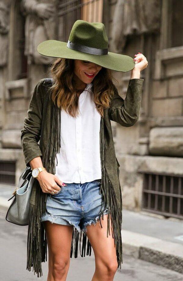 с чем носить шляпу федора фетр зеленая с джинсовыми шортами