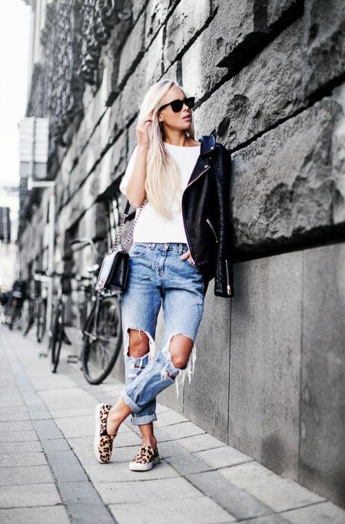 Укороченные рваные джинсы с косухой